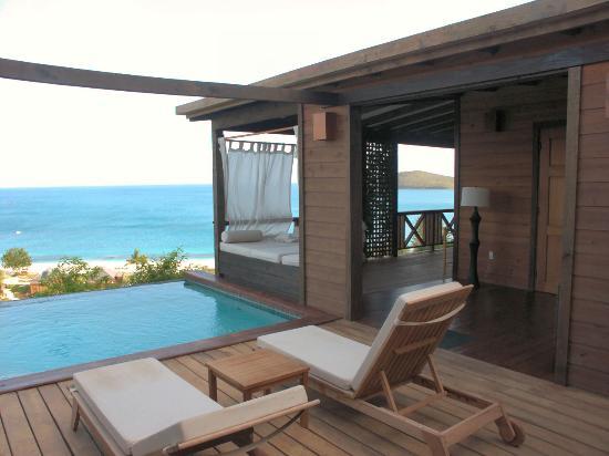 Hermitage Bay: Terrasse, Plunge Pool, Tagesbett