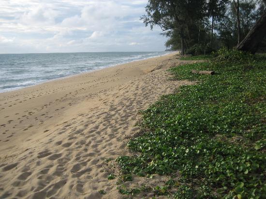 Marriott's Phuket Beach Club: The beach
