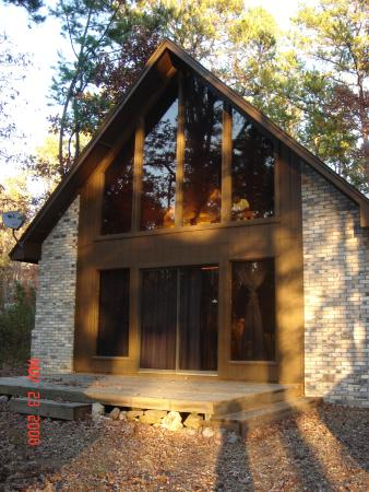 The Pineheart Retreat : Front View