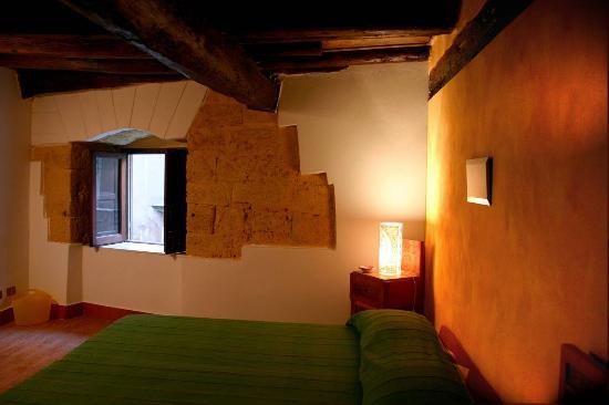 San Francesco : Room 1