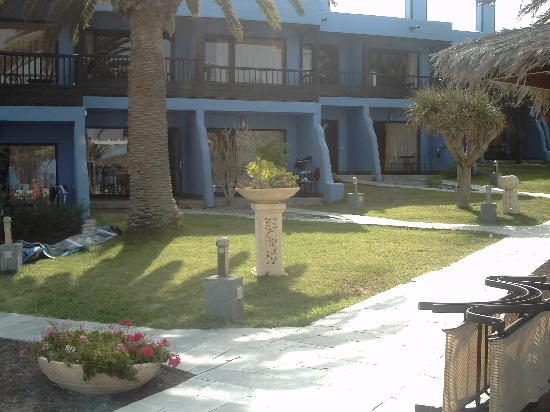 Sun Club Aguila Playa: view from the pool (we stood the loungers up)