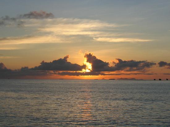 Sheraton Denarau Villas : Fantastic sunset in June