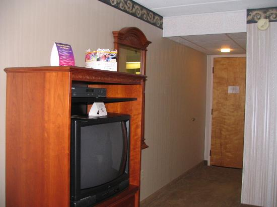 Howard Johnson Hotel South Portland : View of the TV - facing the room door.