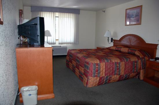 BEST WESTERN Weston Inn: View of the room