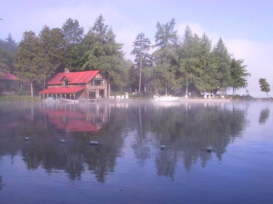 Covewood Lodge: Boathouse Cottage