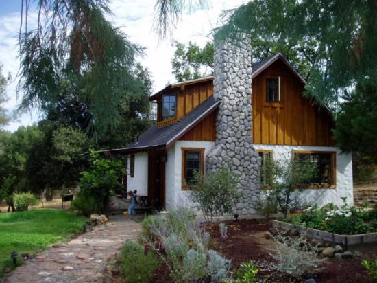 Yosemite Rose Bed & Breakfast: the cottage