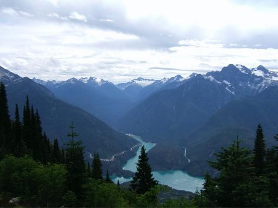 ‪‪North Cascades National Park‬, واشنطن: Diablo Lake from above‬