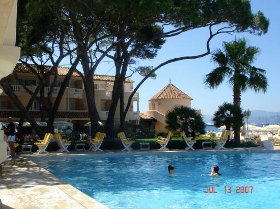 Hôtel La Résidence de la Pinède : pool
