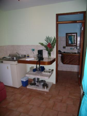 Hotel Costa Coral: kitchenette/living area (bathroom in background)
