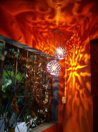 Hotel Costa Coral: lantern in hallway