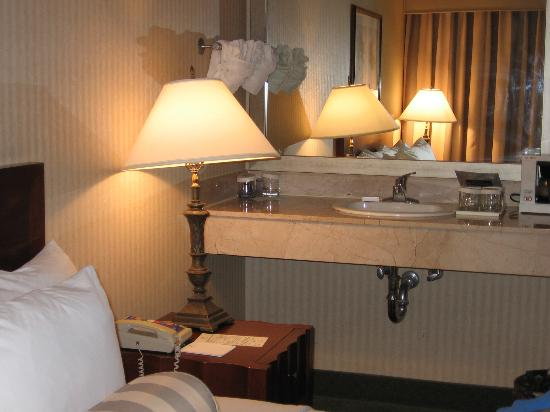 Embassy Suites By Hilton Richmond: Extra Sink In Bedroom  Very Odd!