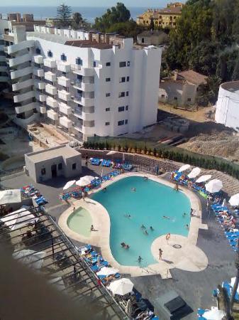 Hotel Los Patos Park : esa piscina esta mal?