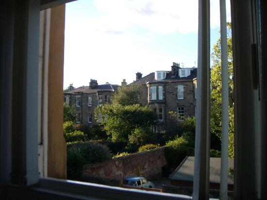 Cherry Tree Villa Guest House: View from the large window