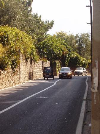 Villaggio Santa Fortunata Campogaio : Road of Death outside campsite - walk down this at your peril!!