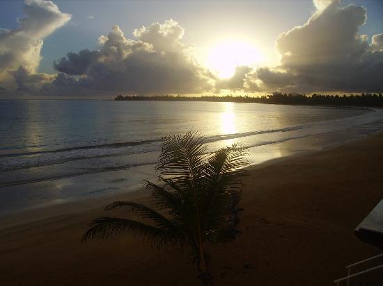 Hotel Yunque Mar: Beach early morning