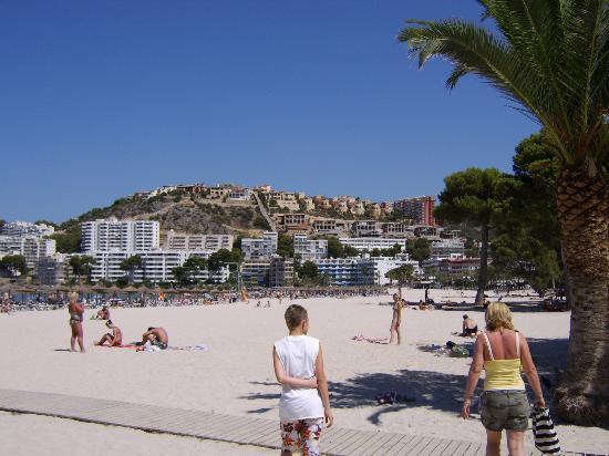 Plazamar Serenity Resort: Santa Ponsa main beach