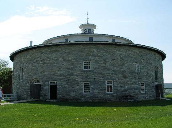 Pittsfield, MA: Round Barn