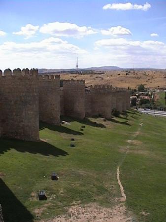 Parador de Ávila: City Wall (exterior)