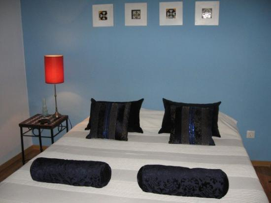 Bonic: Our fabulous double bed room!