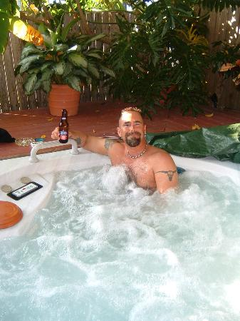 Jasmine House: The Jacuzzi...of course w/beer in hand