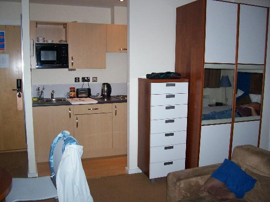 Grand Plaza Serviced Apartments: the kitchenette