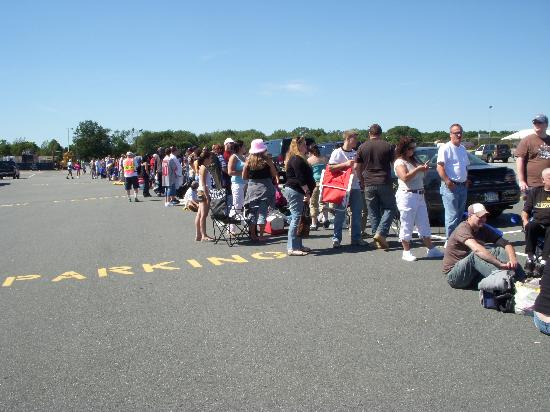 The same line, going the other way... Seekonk Speedway Labor Day 2007