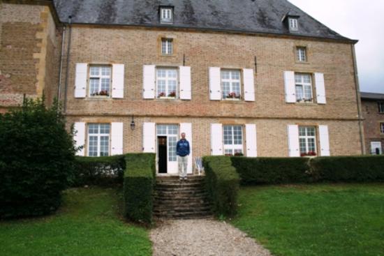 Chatel-Chehery, France : Château de Châtel
