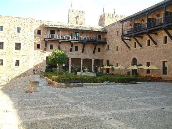 Parador de Siguenza : Hotel reception