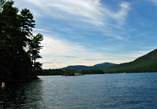 ‪Pontoon Boat Tours of Lake George‬