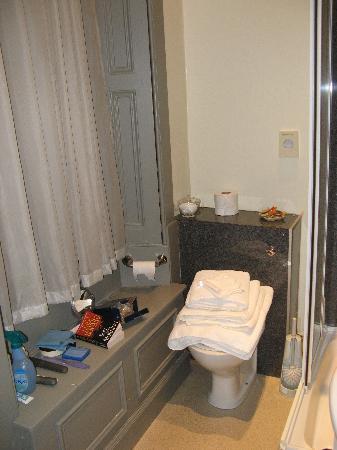 MW Townhouse: Bathroom Toliet