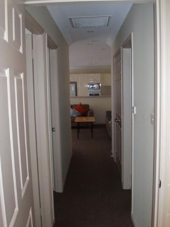Wollongong Serviced Apartments: Hallway