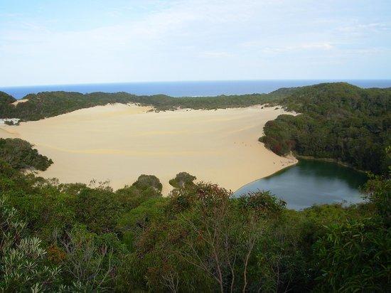 เกาะแฟรเซอร์, ออสเตรเลีย: Hammerstone Sandblow and Lake Wabby