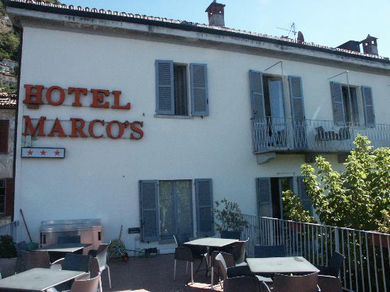 Hotel Marco's: Terasse über der Pizzeria