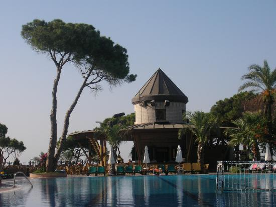 Papillon Ayscha Hotel Resort & Spa: Pool bar