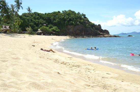 Pinnacle Resort Samui: Strand von Pinnacle Resort