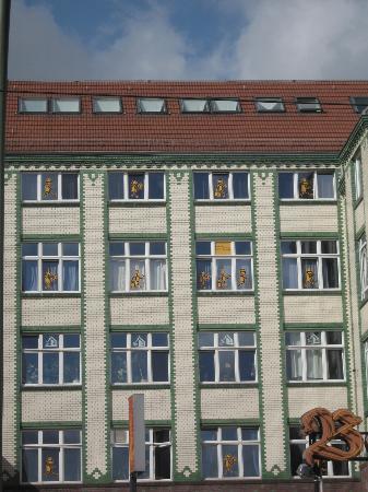 baxpax Mitte Hostel: facade de l'hôtel