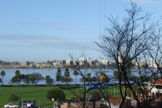 Comfort Inn & Suites Goodearth Perth: Partial view of Swan River from room