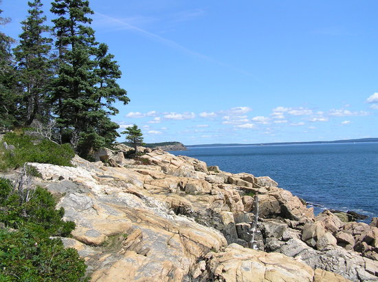 Mount Desert Island: Near Otter Point looking towards Great Head