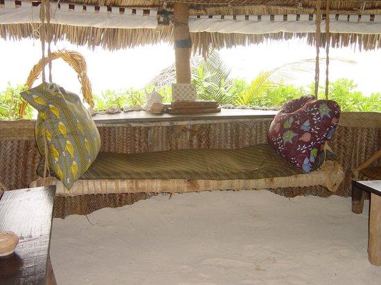 Nyota Beach Bungalows: Lounge