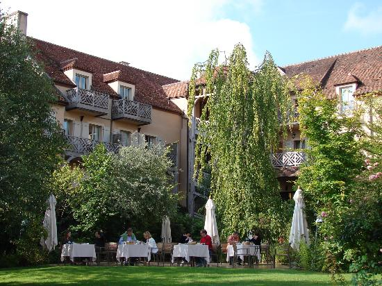 Le Relais Bernard Loiseau: From the garden