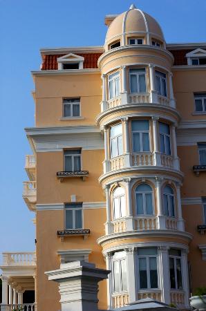 Hotel Inglaterra: Outside view