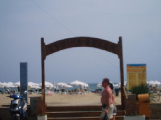 DIT Evrika Beach Club Hotel: Beach entrance outside hotel