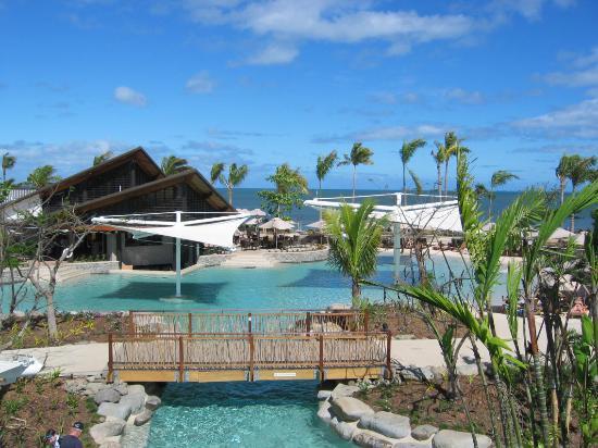 Radisson Blu Resort Fiji Denarau Island: Family Pool and Nautilius Restaurant