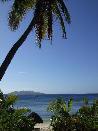 Mana Island Resort : the view from our room