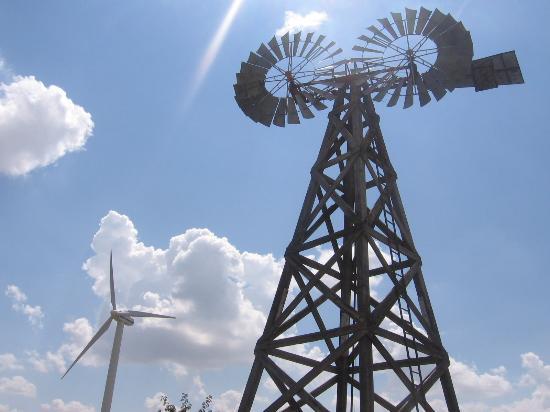 American Wind Power Center : Modern wind turbine and rare twin windmill