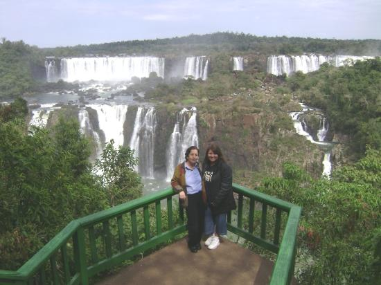 Hotel Foz do Iguacu: My mom and I looking just a little part of the Iguazu Falls-Brazil