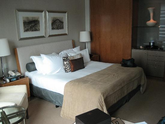 Crown Towers Melbourne: Standard King size room