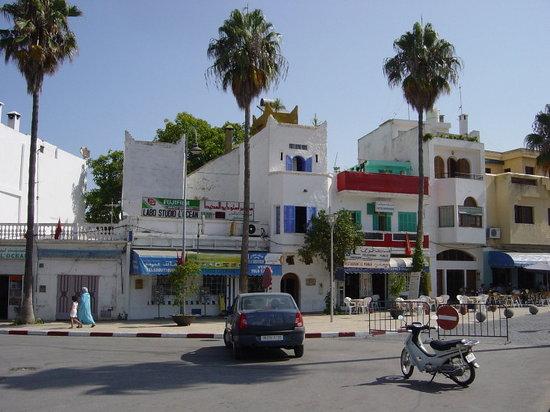 Das Hotel Patio de la Luna mit den Blauen Läden