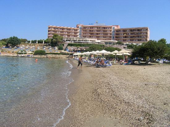AKS Hinitsa Bay: Hinitsa beach