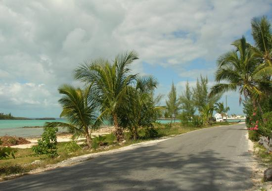 Laughing Bird Apartments: Road to Governor's Harbour